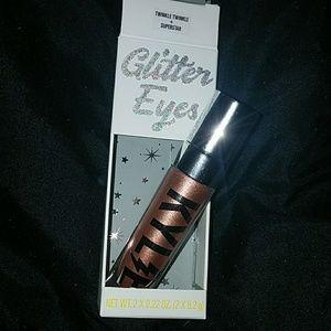 *Kylie Cosmetics Glitter Eyes in Twinkle Twinkle*
